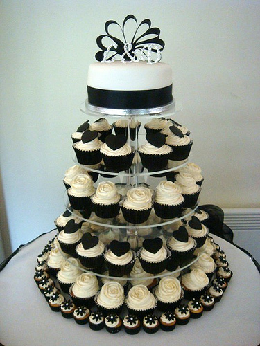 White-and-Black-Wedding-Cupcake-Tower.jpg