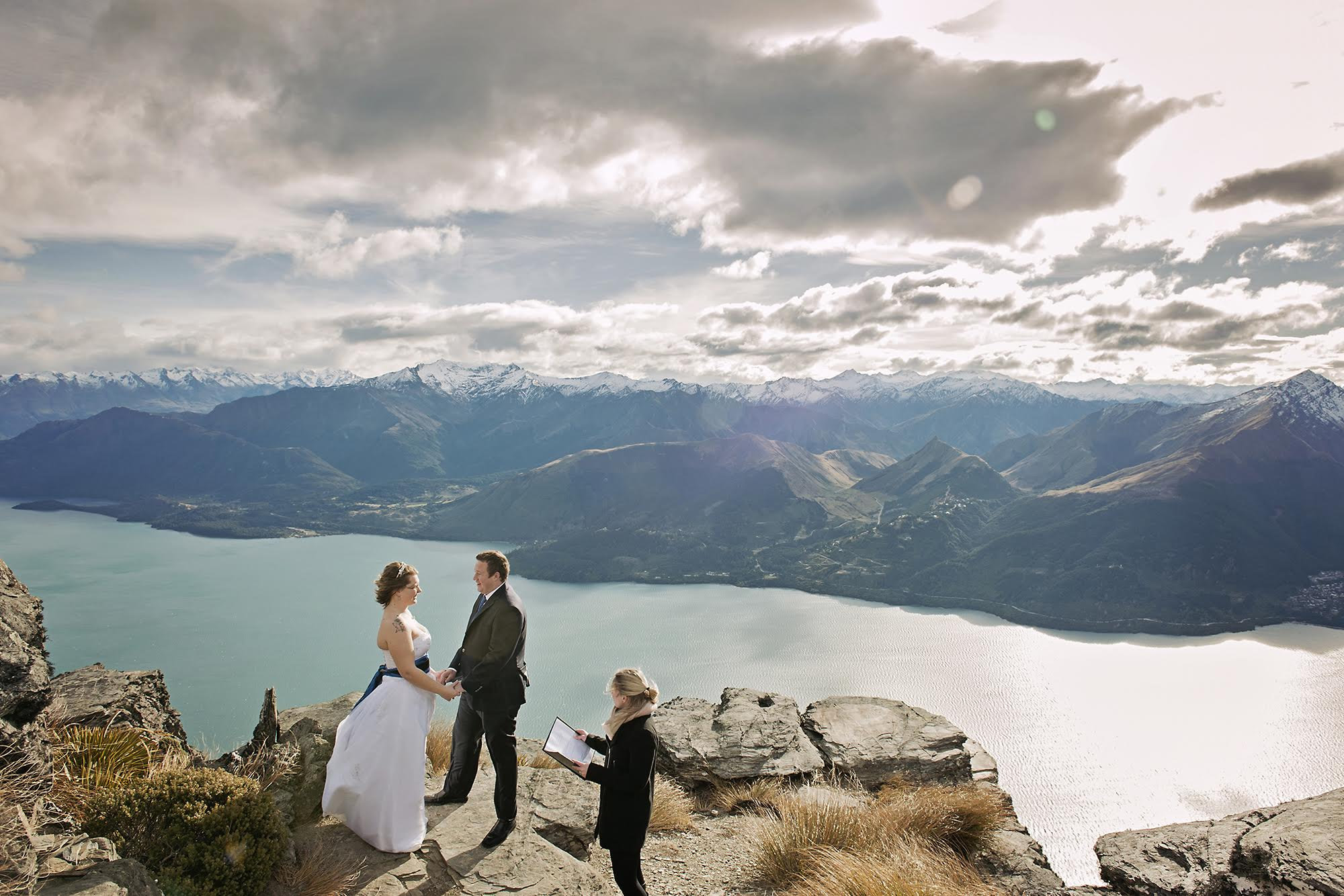 Queenstown wedding celebrant helicopter wedding ceremony 3.jpg